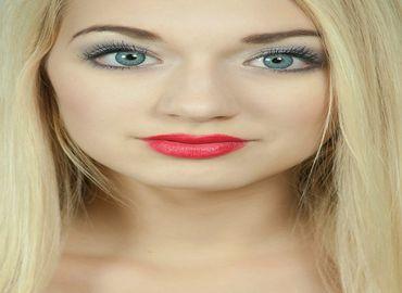 Changer la couleur des yeux grà¢ce à une chirurgie ?