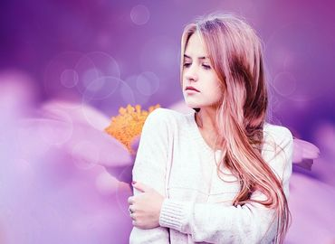 La chute de cheveux chez la femme : pourquoi ?