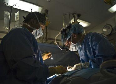 Chirurgie esthétique Vs chirurgie réparatrice