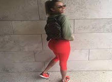 Esthétique : Nabilla pose avec fierté en dévoilant un fessier bien galbé