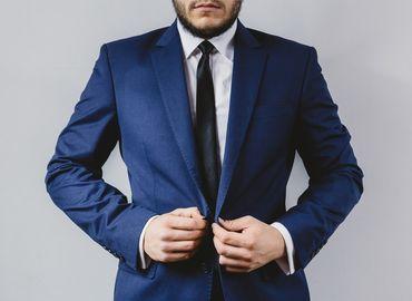 Avoir de beaux cheveux et un ventre plat : les caprices esthétiques des hommes actuels