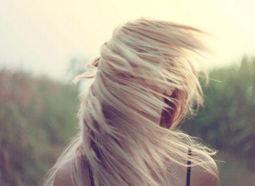Les implants capillaires, une technique efficace contre la perte de cheveux chez la femme