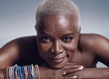 Insolite : Une femme blonde dépense 60 000 euros  pour devenir noire