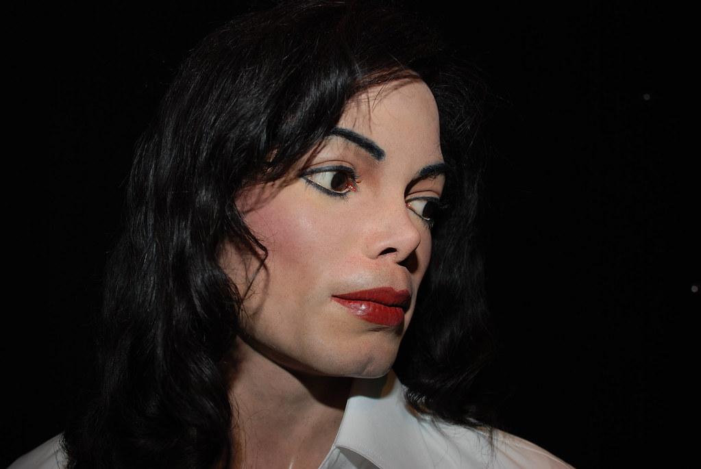 Voici pourquoi Michael Jackson était accro à la chirurgie esthétique